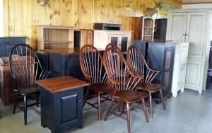 Country Tyme Primitives Locally Owned Family Operated Lancaster County PA Ronks Leola Pennsylvania heirloom furniture master finishing handcrafted furniture aged character dining room master bedroom entertainment center weathered finish
