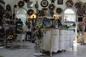 Country Road Flowers Floral Arrangements Yankee Flowers Furniture Crafts Locally Owned Family Operated Furniture and Accents Ronks PA Lancaster County Pennsylvania Reallancastercounty Intercourse