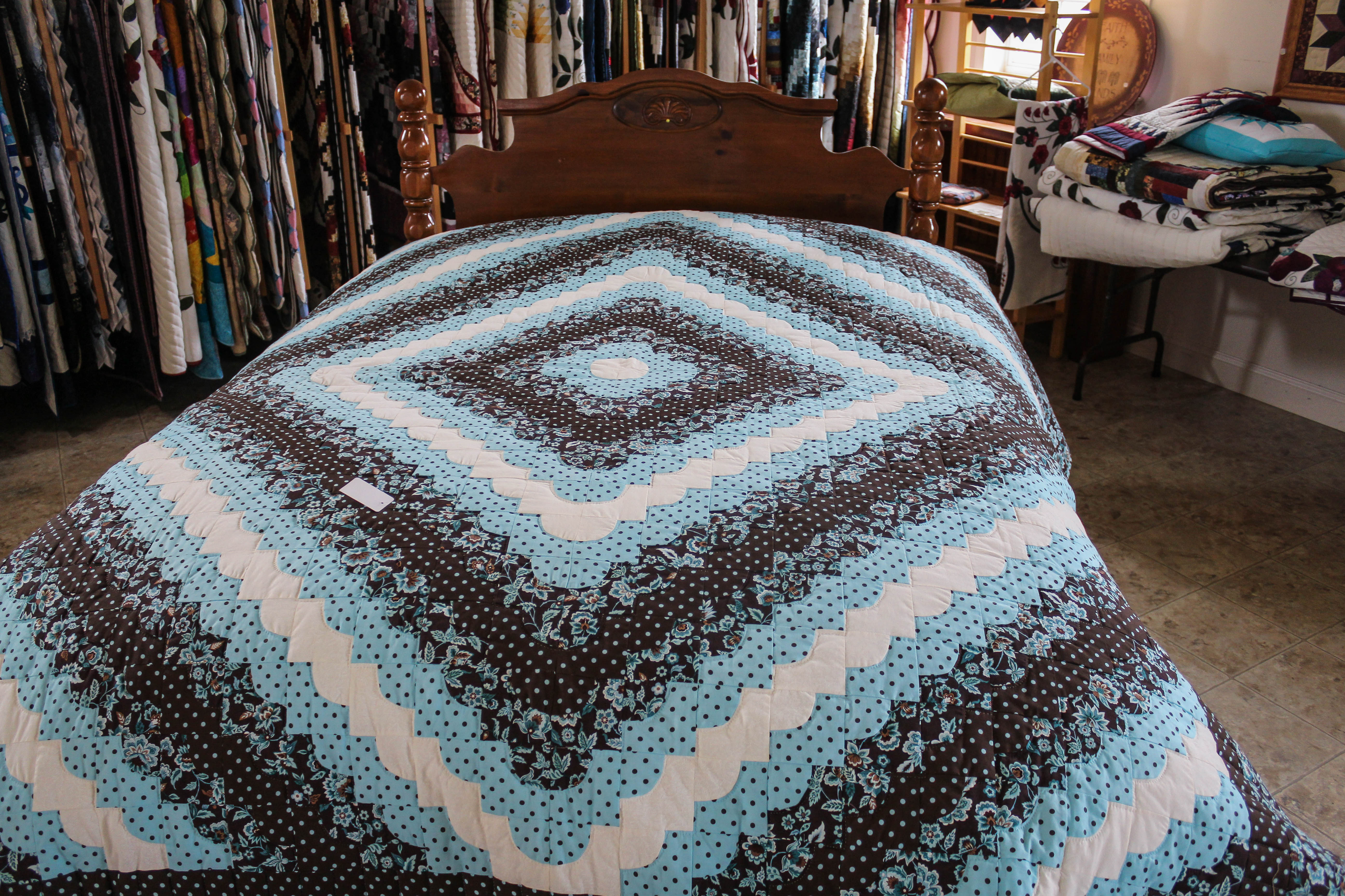 Smucker Quilts Amish Authentic Crafts Pa Dutch Country New